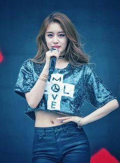 T Ara Jiyeon, Korean Star, Korean Beauty, Crop Tops, Park, Women, Fashion, Moda, Fashion Styles