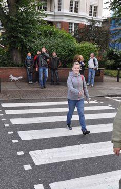 Walk Across Famous Abbey Road in London, England #beatles #abbeyroad