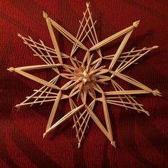 Gallerij - Ingrid's Handen Weaving Art, Loom Weaving, Corn Dolly, Straw Crafts, Willow Weaving, Weaving Designs, Arts And Crafts, Diy Crafts, Christmas Decorations