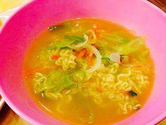 #KoreanFood #Food #Korea 라면 Lamyeon. Not lamen. Korean instant lamyeon. Korean food. 라면, 나가사끼짬뽕.