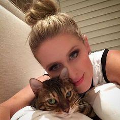 Nicky  Hilton col suo Gatto