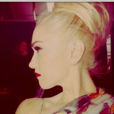 A pic Gwen tweeted a long time ago