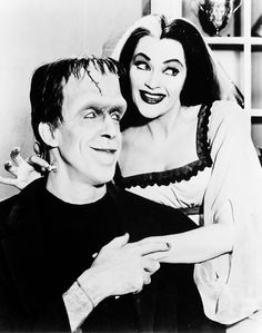 The Munsters is an American family television sitcom depicting the home life of a family of monsters. It stars Fred Gwynne as Herman Munster and Yvonne De Carlo as his wife, Lily Munster. Yvonne De Carlo, The Munsters, Munsters House, Nostalgia, La Familia Munster, Herman Munster, Lily Munster, Star Wars, Old Shows