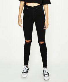 9dbc4d9fee5 62 Best Black ripped jeans images in 2019 | Casual outfits, Casual ...