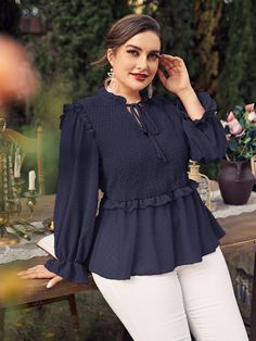 Abaya Fashion, Muslim Fashion, Skirt Fashion, Fashion Dresses, Stylish Dress Designs, Stylish Dresses, Sleeves Designs For Dresses, Fancy Tops, Frock Design