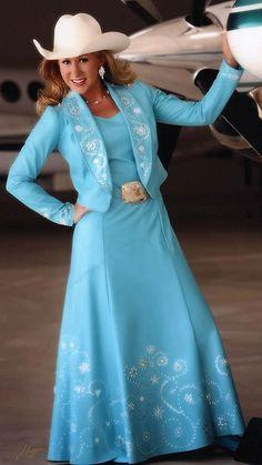 Miss Rodeo Utah 2009 Models An Azure Lambskin Dress Queen Outfit