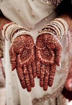A good sense of art enhance the beauty of any mehndi design. Miras Bridal Saloon help you to apply these lovely bridal mehndi designs on hands and feet.