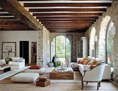 We love the light and the curved lines and the lighter wood beams. inspiration architecture 24 Foyers You'd Be Happy to Come Home to Spanish Style Homes, Spanish House, Spanish Style Interiors, Spanish Revival Home, Spanish Style Bathrooms, Spanish Interior, Style At Home, Italian Style Home, Style Hacienda