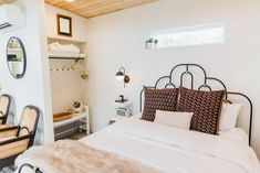 Tiny House Tour: A Custom Guest Cottage Tiny Spaces, Small Spaces, Home, Living Room White, Southern Cottage, Guest Cottage, Gorgeous Apartment, Backyard Guest Houses, Tiny House Design