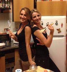 Angela e Alessia, amiche, avvocati, amanti del cibo. Amiche sin dai tempi dell'università, fornelli e padelle sono stati gli strumenti che ci hanno unito per sfuggire alla noia dello studio e per dare libero spazio alla nostra passione…cucinare!!!!