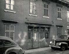 Brothel, 1940s The legality of prostitution in Montreal and its prohibition in the U.S. saw the rise of the seedy industry during World War II, when Americans would drive north to fulfill their illicit needs. Here, a photo shows one of the many brothels that lined streets in the 1940s.