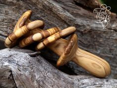 Check out this item in my Etsy shop https://www.etsy.com/listing/211101041/wooden-rattle-toy-for-newborn-handturned