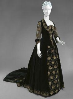 1885 dinner dress, I really like the pattern.