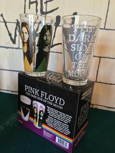 Redz Pink Floyd Dark Side Of The Moon - Pint Glass Set, back view Pink Floyd Merchandise, Pink Floyd Dark Side, Mug Cup, Pint Glass, The Darkest, Moon, Glasses, Tableware, The Moon