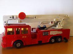MATCHBOX LESNEY SUPERKINGS ERF SIMON SNORKEL FIRE ENGINE, K-39, C1979 - http://www.matchbox-lesney.com/?p=7821