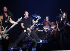 Metallica is now on its year in the music industry and still counting. The band started in Metallica is considered pioneer in thrash metal sound. The band reached tremendous success in 3 decades of recording. Metallica Band, Metallica Live, Metallica Concert, Robert Trujillo, Master Of Puppets, James Hetfield, Pink Floyd, Rock Music, My Music