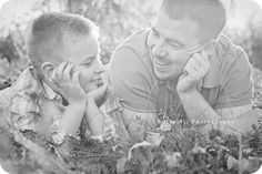 Father and son. Would be sute with brothers too Hobby Photography, Couple Photography, Children Photography, Photography Poses, Daddy And Son, Dad Son, Father And Son, Family Picture Outfits, Family Posing