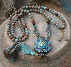 Mala made of 108, 10 mm - 0.394 inch, very beautiful jasper gemstones and decorated with jasper, agate, faceted agate, two Nepalese beads and a handmade Nepalese ghau (gau) box which has a size of about 5 cm - 1.97 inch - look4treasures on Etsy