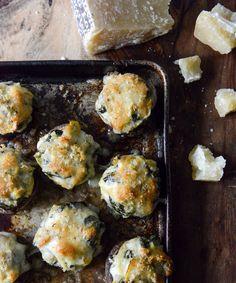 Portobellos rellenos de espinaca, tocino y alcachofa | 19 vegetales deliciosamente rellenos