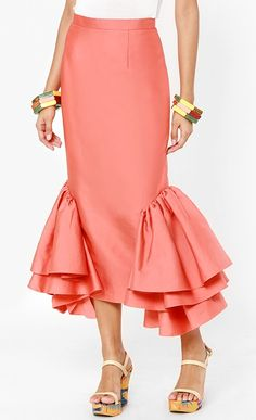 Classy Work Outfits, Chic Outfits, Skirt Fashion, Fashion Dresses, Shirt Transformation, Pretty Dresses, Dresses For Work, African Print Skirt, Tulle Ball Gown