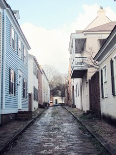 For some reason this is one of my fave photos of the Cotton District. Reminds me of European/Scandinavian alleys.