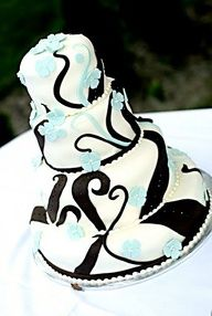 """Wedding Cake--- Black  white cake with Tiffany Blue (and gold) flowers *made by Buddy Valastro ♥"""" data-componentType=""""MODAL_PIN"""