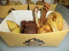 COMIDA OUTBACK  COMBO - onions rings, batata rústica, costelinha defumada e coxinha de frango empanada
