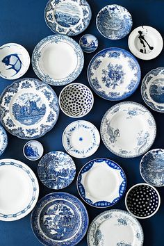 Alt for Damerne / – Tableware Design 2020 Blue And White China, Blue China, White Kitchen Decor, White Decor, Blue Plates, China Plates, Home Decor Quotes, Vintage Plates, Plate Design