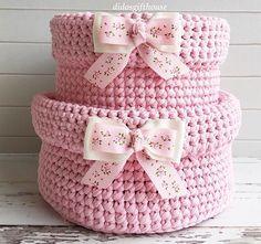 Crochet Storage, Crochet Box, Crochet Purses, Crochet Shawl, Crochet Flowers, Knit Crochet, Crochet Projects, Yarn Projects, Baby Gift Box