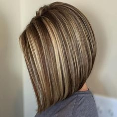 Brown Lob With Blonde Highlights Brown Hair With Highlights And Lowlights, Brown Balayage, Hair Color Highlights, Blonde Color, Brown Lob, Caramel Highlights, Chunky Highlights, Dark Brown, Partial Highlights