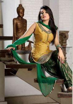 Salwar Suits Online: Latest Indian Salwar Kameez For Women, at Utsav Fashion Punjabi Fashion, Bollywood Fashion, Indian Fashion, Women's Fashion, Ethnic Fashion, Fashion Trends, Indian Attire, Indian Wear, Indian Outfits