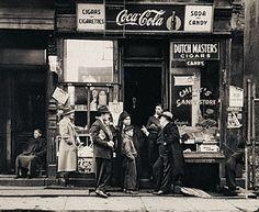 Chick's Candy Store, Pitt Street, New York, Walter Rosenblum, 1938. © Walter Rosenblum