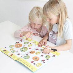 For de yngste som liker å telle, skrive og leke med tall og mengde.  Enkel regnepussel, finn fem feil, 3 på rad, hvor mange dyr i hver rute etc.  Boken er en del av bokserien GØY MED TALL der barna lærer matematikkens grunnleggende regnearter og hvordan disse henger sammen. Barna skal kunne se, lese, telle og skrive, alt etter alder og utvikling.  Alle sidene er laminert slik at barna kan skrive og vaske bort, om og om igjen. Picnic Blanket, Outdoor Blanket, Barn, Education, Manga, Home Decor, Creative, Converted Barn, Decoration Home