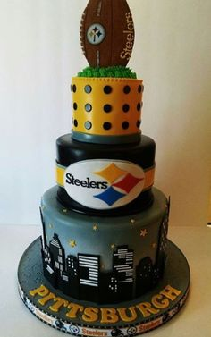 Steelers cake superbowl party and sport related food ideas. Beautiful Cakes, Amazing Cakes, Pittsburgh Steelers Football, Football Cakes, Fondant, Sport Cakes, Salty Cake, Savoury Cake, Themed Cakes