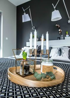 Voici de nouveau un projet de Shoko Design, en Pologne, appelé justement par eux «Nordic Feeling». Les murs en briques, les tons neutres sont à toute évidence de style scandinave, une source inta…