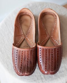 Vintage Brown Leather Indian Slippers // Shoes // Perforated Detailing // Hand-stitched // Unisex // Men 9 // Women 11 by Menstruum