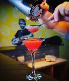 Um Gin Genie refrescante pra te ajudar a relaxar e curtir o sabadão! 🍸 Hoje a partir as 12h!!! 🌞 E pode trazer seu AUmiguinho! 🐶  #barhoxton #hoxtonbar #hoxtonmooca #hoxtonpet #verãohoxton #petfriendly #drinks #coqueteis #mooca #sp #gingenie #gin #melancia #gengibre #sabado #relaxar #curtir #vivamooca #vejasp #omelhordesampa #revistain #experimentesp #aquelasp #saopaulo #euvejosp #vidaurbana #gastropub #gastronomia