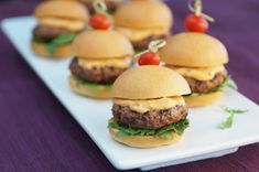 PHILLY Cream Cheese and Sriracha - this tasty duo becomes part slider mixture, part burger topper, but equals delicious. The cilantro complements and provides a fresh contrast to the spice! Mini Burgers, Kraft Recipes, Beef Recipes, Appetizer Recipes, Snack Recipes, Appetizers, Snacks, Philly Cream Cheese, Sauce Sriracha
