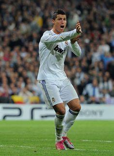 Ronaldo 52 Ronaldo Real Madrid, Cristiano Ronaldo, Sporty, Running, Style, Fashion, Swag, Moda, Fashion Styles