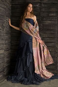 Material: Polyester Silhouette: A-Line Dress Length: Floor-Length Sleeve Length: Sleeveless Combination Type: Single Design: Strapless. Robes Western, Western Dresses, Indian Dresses, Indian Outfits, Indian Attire, Indian Wear, Indian Designer Outfits, Designer Dresses, Nida Azwer