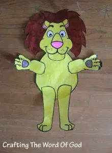 This Daniel and the lions den craft is quick and simple. Once your kids finish making it they have their very own lion puppet. Instructions Print the template. (Template) Color and cut out all of t. Activities For Kids, Crafts For Kids, Arts And Crafts, Daniel And The Lions, Sunday School Crafts, Bible Crafts, Kids Church, Word Of God, Puppets
