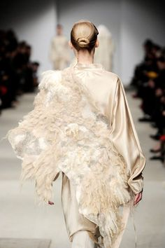 Vilte, shown during Paris Fashion Week March 2011 as part of the couture collection of Josephus Thimister...extraordinary!