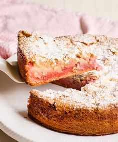 This Strawberry Ooey Gooey Cake is BEYOND easy! Just a few ingredients for this show stopping (and SWEET!) dessert! iambaker, ooey gooey cake, strawberry cake, cake, baking, holiday