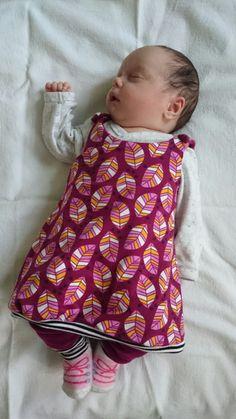 """Yva R.: Freebook Kleidchen """"Hübsches Babymädchen"""""""