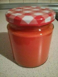 Necesitamos 1 cebolla grande 2 dientes de ajo 40 gramos de aceite de oliva virgen extra 2 latas de tomate triturado de 800 gramos cada ...