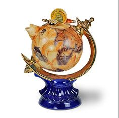 Globe teapot - so excited to see this in real life !!