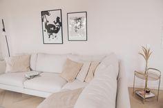 Hirsitalon ensimmäinen huonekalu - KAISA T. Couch, Furniture, Home Decor, Settee, Decoration Home, Sofa, Room Decor, Home Furnishings, Sofas