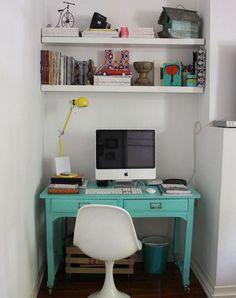 oficina retro. Hermoso escritorio