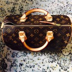 ✨Authentic LV Speedy 30!! Mint Condition! ✨Authentic Louis Vuitton Speedy 30! This baby is in mint condition! Used literally once (see handle). No stains, blemishes or any flaws. Was a gift and hope she finds a lovely home . No trade. Feel free to make an offer! Louis Vuitton Bags Satchels