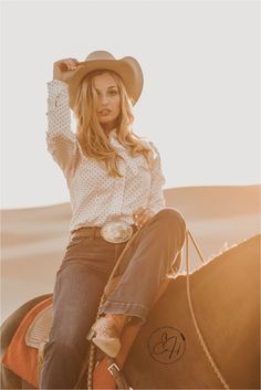 Cowboy Photography, Equine Photography, Girl Photography, Country Women, Country Girls, Jealous Women, Cowgirl Photo, Old Gringo Boots, Vintage Cowgirl